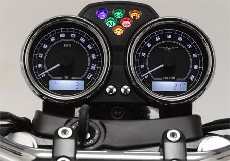 Moto Guzzi V7 Strumentazione