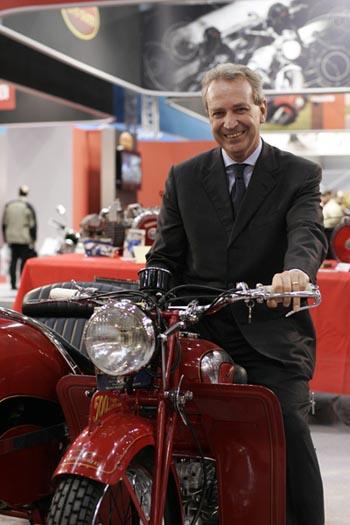Onorevole Mario Valducci Motodays Roma Convegno