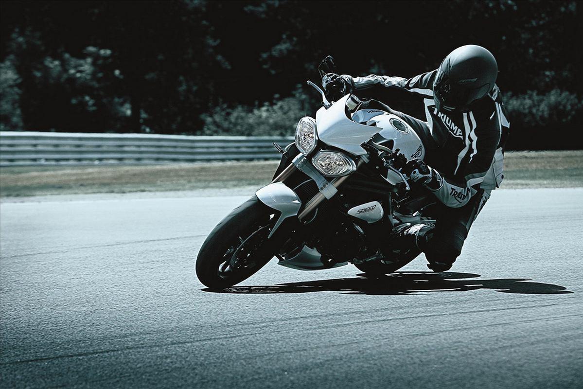 Speed Triple 2011