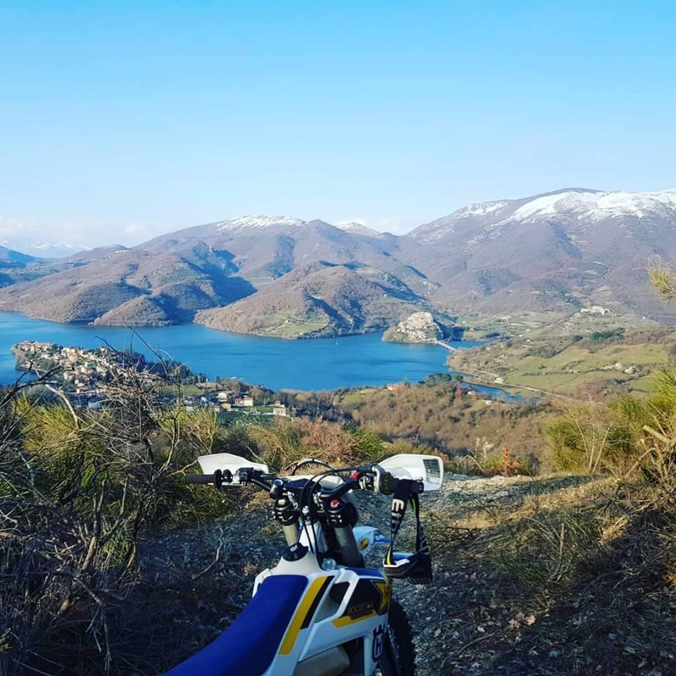 Lago del Turano moto enduro
