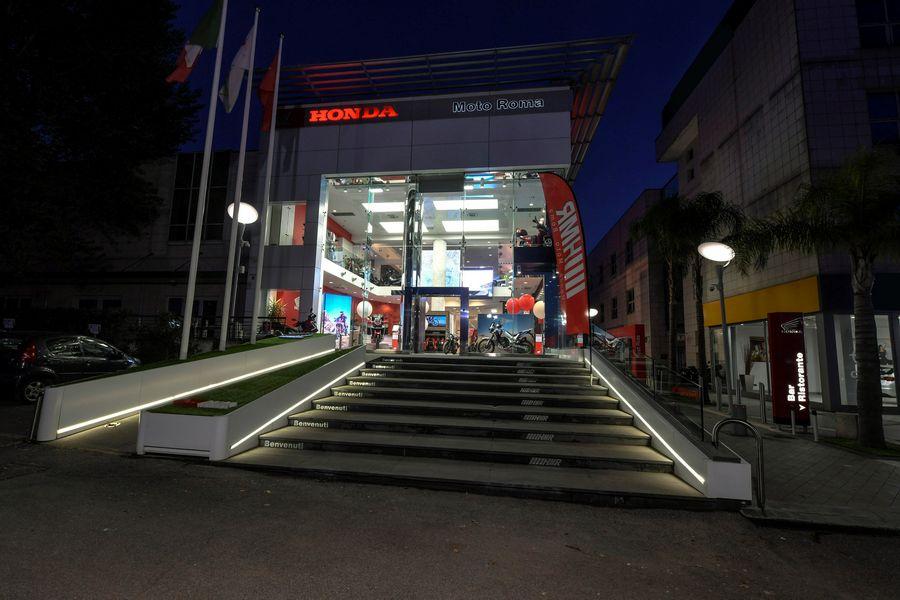 "Ingresso Honda ""Dream Dealer"" a Roma in Via Tiburtina"